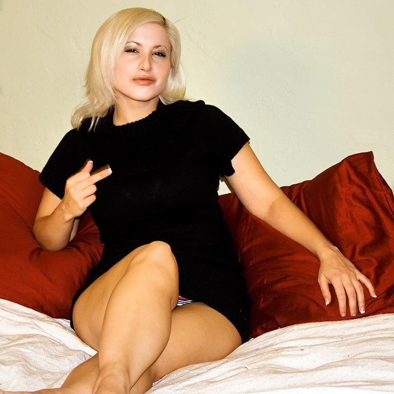 Galas Looner – apartmentwrestlers.com